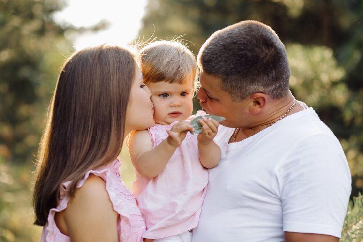 plan de salud de suscripciones, familia feliz